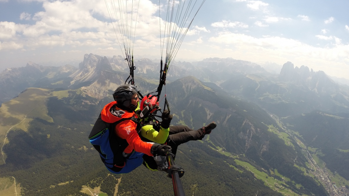 Paragliding Tandem flights - fly with us over Rasciesa in Val Gardena