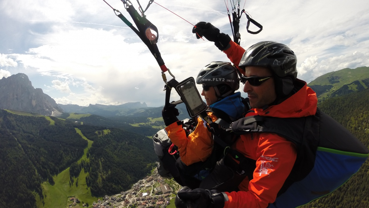 Flight tandem paragliding South Tyrol