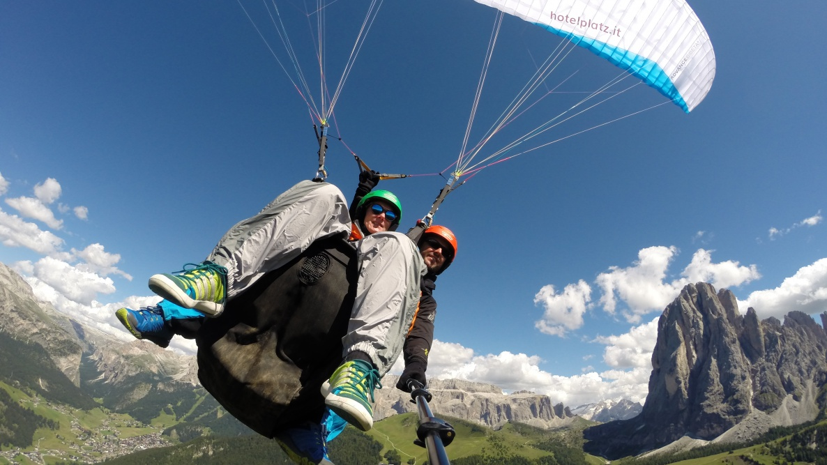 fantastic - paragliding in the Dolomites