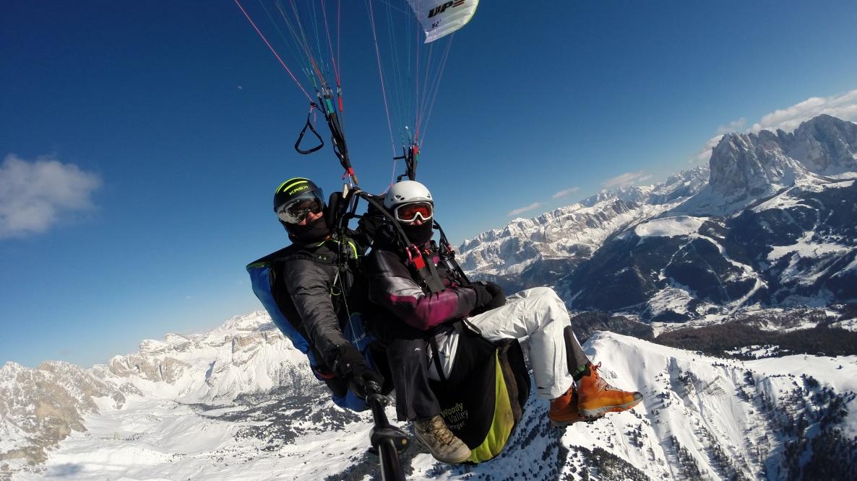 Gardenafly - Winter Paragliding Tandemflight in the Dolomites