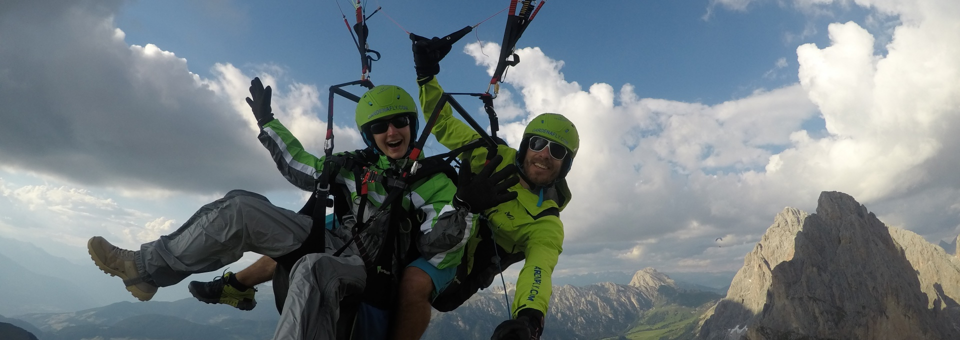 Paragliding is sooo beautiful