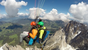 Over the Dolomites with the Tandemparaglider