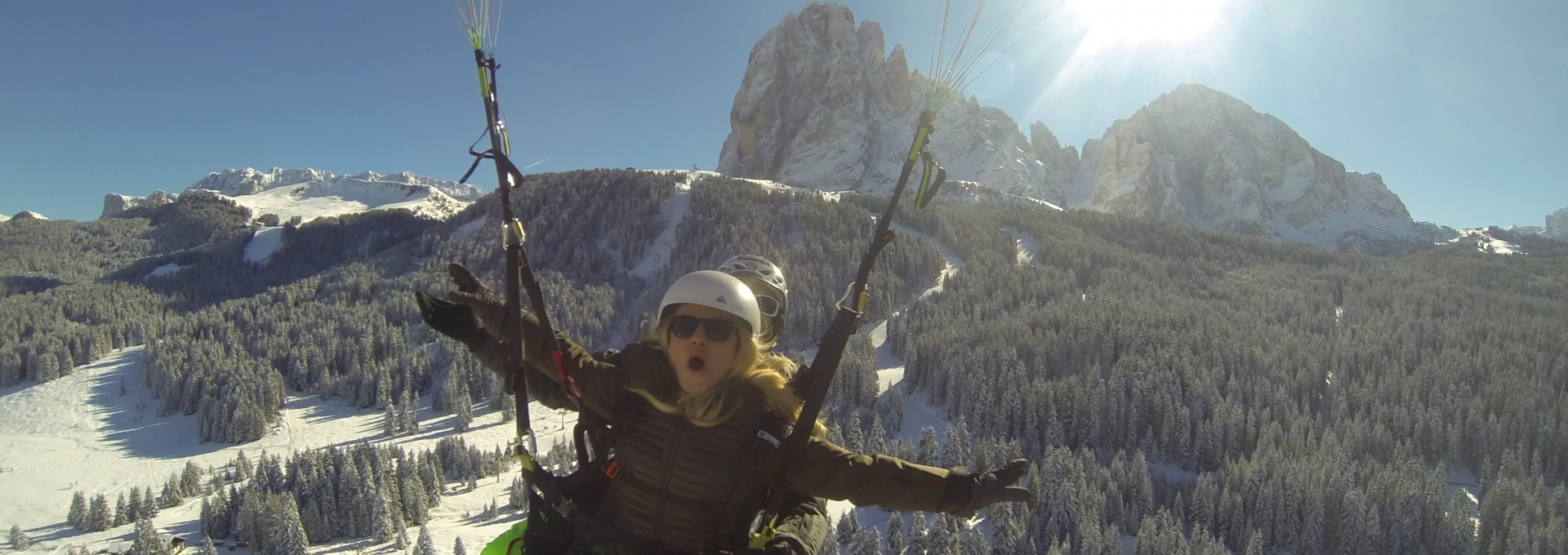 Paragliding Winter in Val Gardena