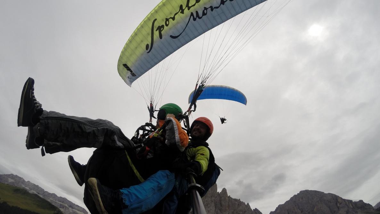 Paragleiten in den Dolomiten